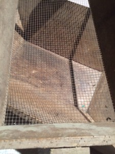 sieve. Wire mesh in excellent condition